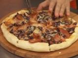 Пица с червен боб и бекон 5