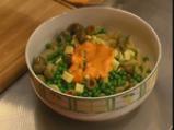 Макаронена салата с маслини и грах 4
