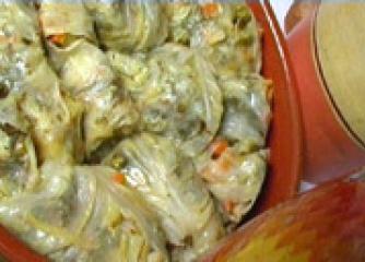 Сарми от кисело зеле и зеленчуци