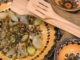 Лучена салата с орехи