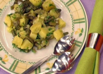 Салата от картофи със зелен фасул