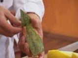 Плодова салата в кошница от ананас 2