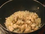 Кантонски пържен ориз със спанак и гъби 2