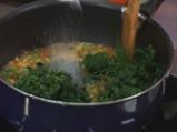 Джуркана коприва с овче сирене, яйца от пъдпъдък и запържени печурки 4