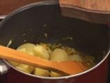 Картофи със сирене в царевична коричка 4
