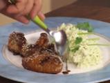 Пилешки крилца със сусам и ябълково колосло 5