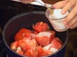 Доматено фрапе с мариновани краставици във френски сос