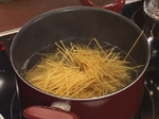 Мусака с пилешко и спагети