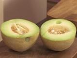 Супа от пъпеш и манго със сметаново-канелов сладолед 3
