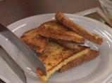 Пържени филийки със сироп и круши 5