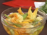Пълнени цветове от тиквички с мус от сирене 6