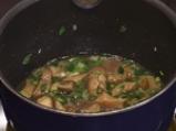 Пълнени пилешки копанчета със сос от горски гъби 4