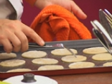 Хрупки с карамелизирани смокини и малинов сос 2