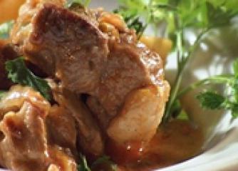 Свинско с картофи по селски