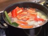 Пилешко варено с крем супа от царевица и зелен сос