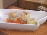 Китайски сарми върху салата от моркови с кориaндър 6
