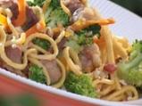 Домашни спагети със свинско и броколи