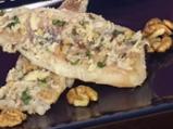 Риба с подлучен орехов сос