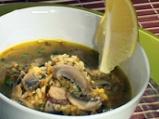 Гъбена супа с кафяв ориз