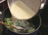 Броколи със синьо сирене