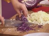 Зимна зеленчукова салата с млечен дресинг 5