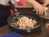 Пълнени чушки с пушено пиле със сос от праскови и смокини 4