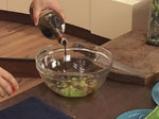 Скумрия на тиган със сос от лимон, чесън и джинджифил 3
