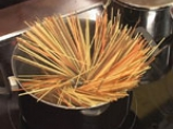 Пилешки кюфтенца с доматен сос и спагети 7