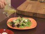 Зелена салата с червено цвекло и сирене 9