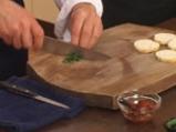 Пъстърва с рагу от домати и два соса 6