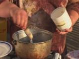 Мамалига с пилешки бутчета