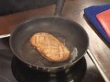 Патешки гърди с трицветен сос от чушки 3