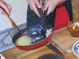 Ордьовър от аспержи със скариди и сварени яйца 3