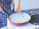 Ордьовър от аспержи със скариди и сварени яйца 7