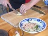 Ордьовър от аспержи със скариди и сварени яйца 8