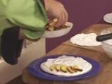 Изкушение от праскови с бонбони от жълтъци 8