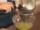 Руладини от лаврак с аспержи в шафранов бульон 3