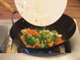Нудълс с тофу и зеленчуци 9