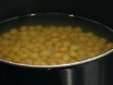 Нахутова чорба с наденица и кисело зеле