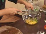 Салата от царевица и броколи в чашка от краставица 6