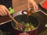 Супа от зелени маслини и праз 2