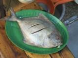 Пържена риба със сладко-кисел чили сос