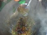 Пикантни скариди с хрупкав босилек 5