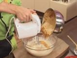 Медена торта с цедено кисело мляко и лимон 3