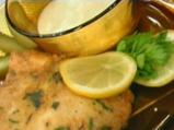 Панирани пилешки гърди с креолски сос