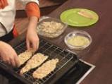 Пъстърва с орехова коричка и синьо сирене 6