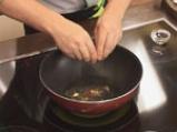 Къри с броколи и спанак