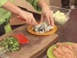Пилешки филенца със сос от синьо сирене и броколи 3