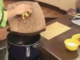 Чорба с праз, сирене и картофи