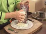 Спагети с орехов сос и сирене 6